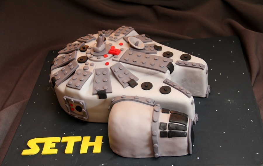 Seth's Millenium Falcon on Cake Central