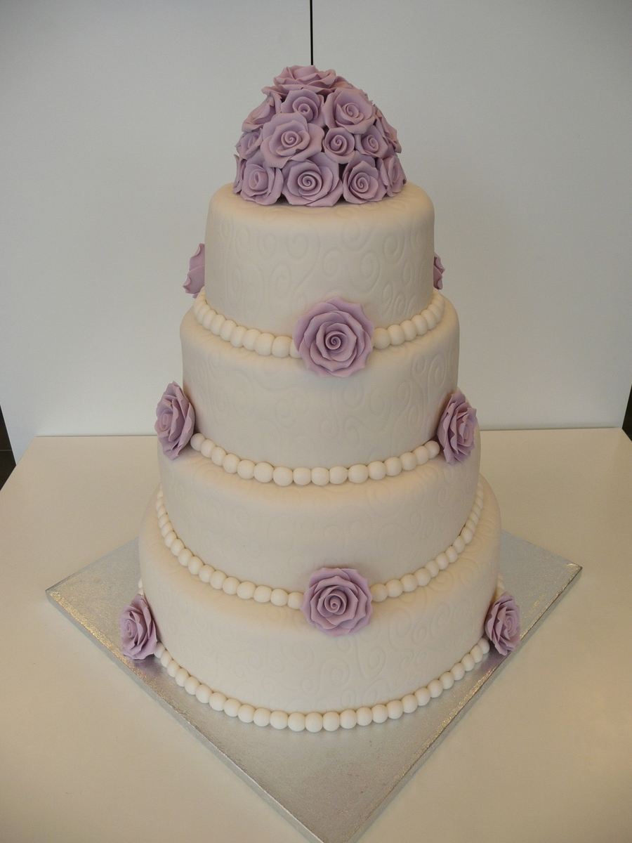 Ivory And Lilac on Cake Central