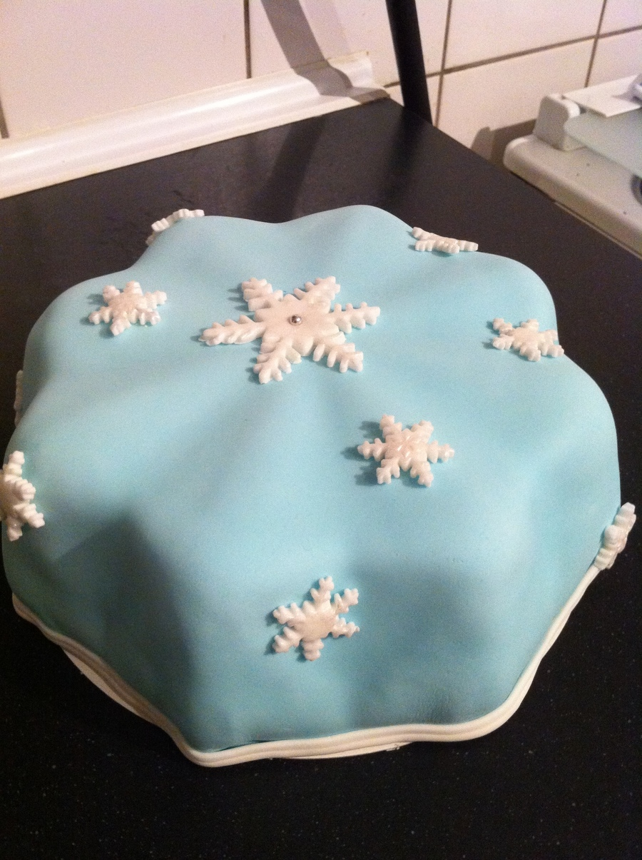 Snowflake on Cake Central