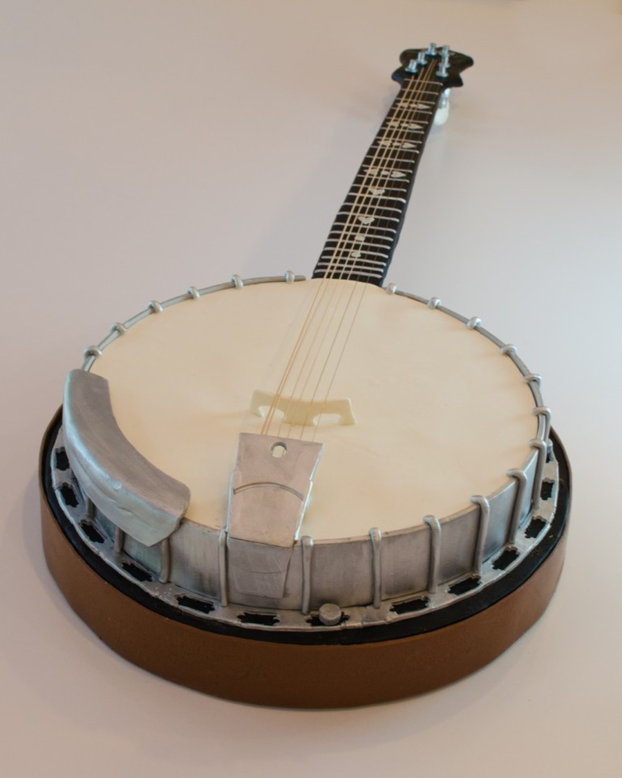 Cake Decorating Classes Chattanooga Tn : Banjo Groom s Cake - CakeCentral.com