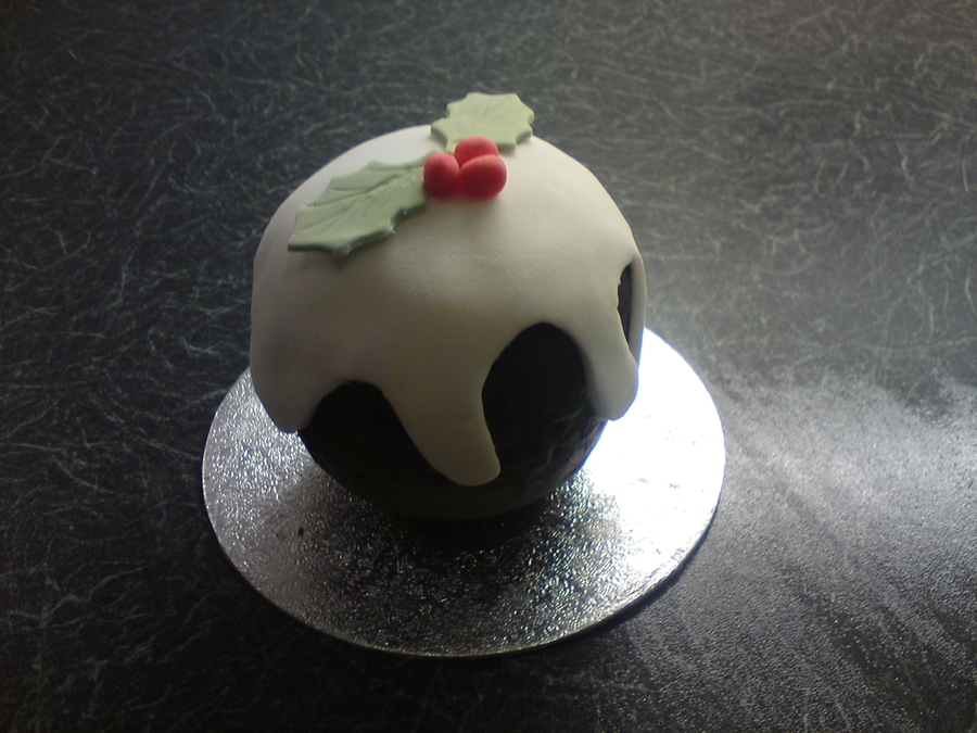 Mini Christmas Puds on Cake Central