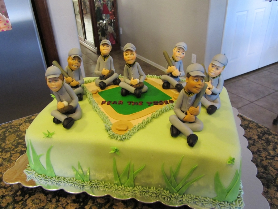 Go Tigers!!! on Cake Central