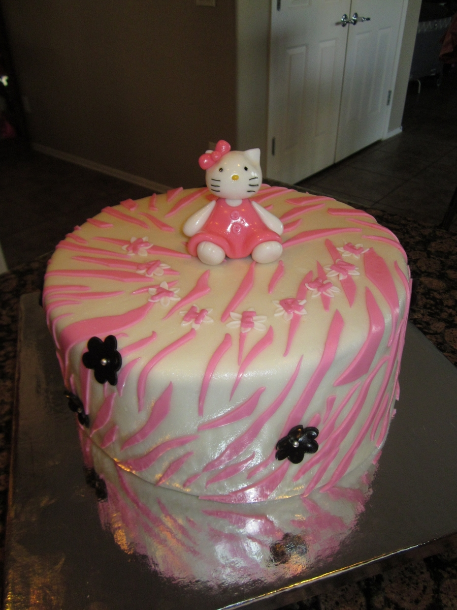"""hello Kitty"" on Cake Central"