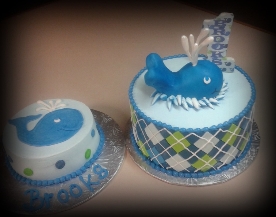 Ocean Preppy Blue Whale Deco on Cake Central