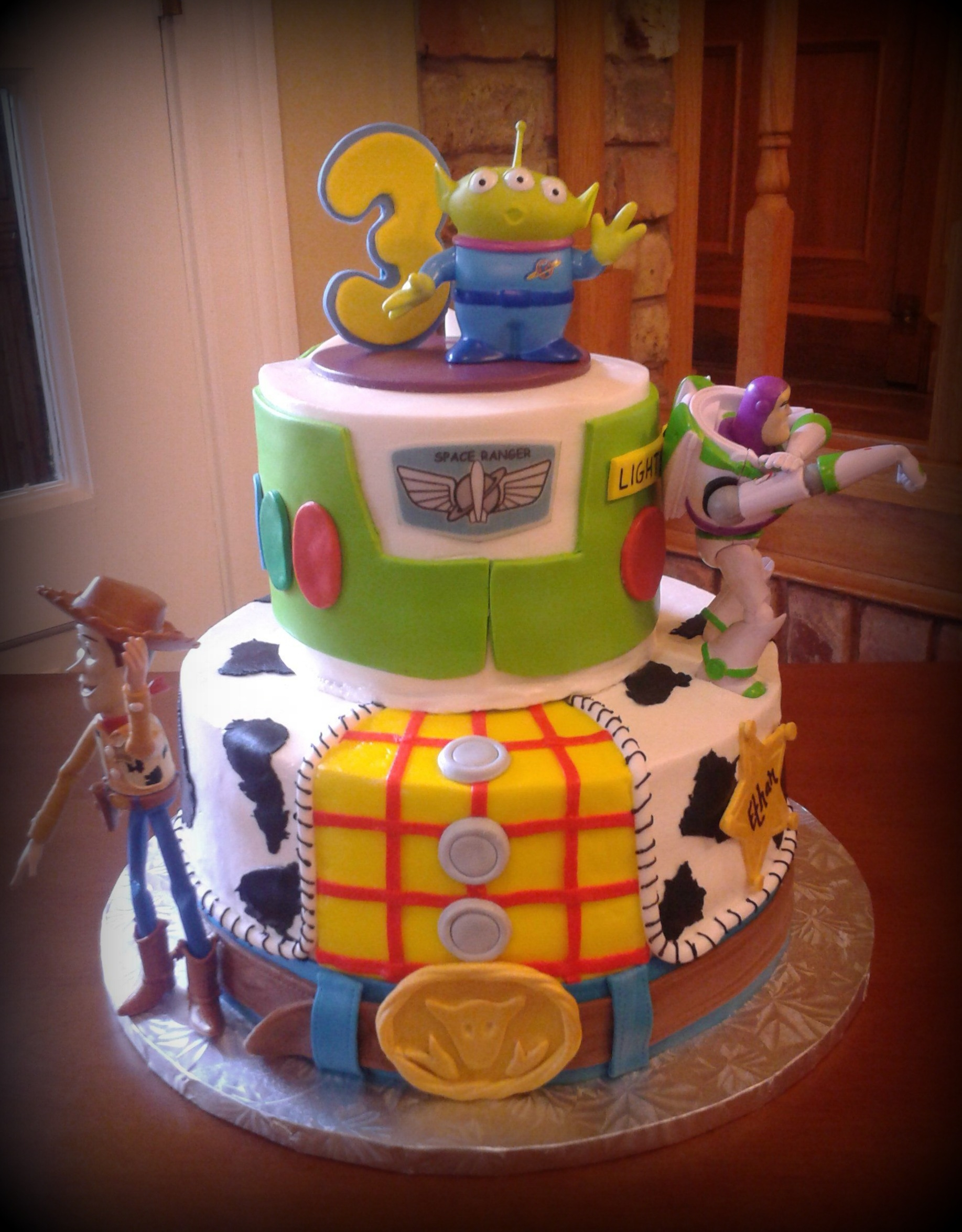 Buzz & Woody on Cake Central