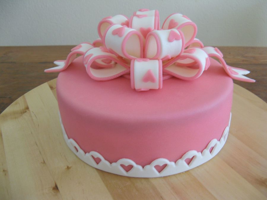 Pink With A Bow on Cake Central