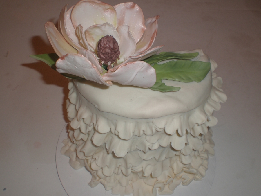 Magnolia And Ruffles on Cake Central