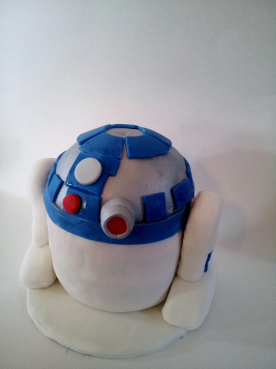 R2 D2 Angry Bird Cake on Cake Central
