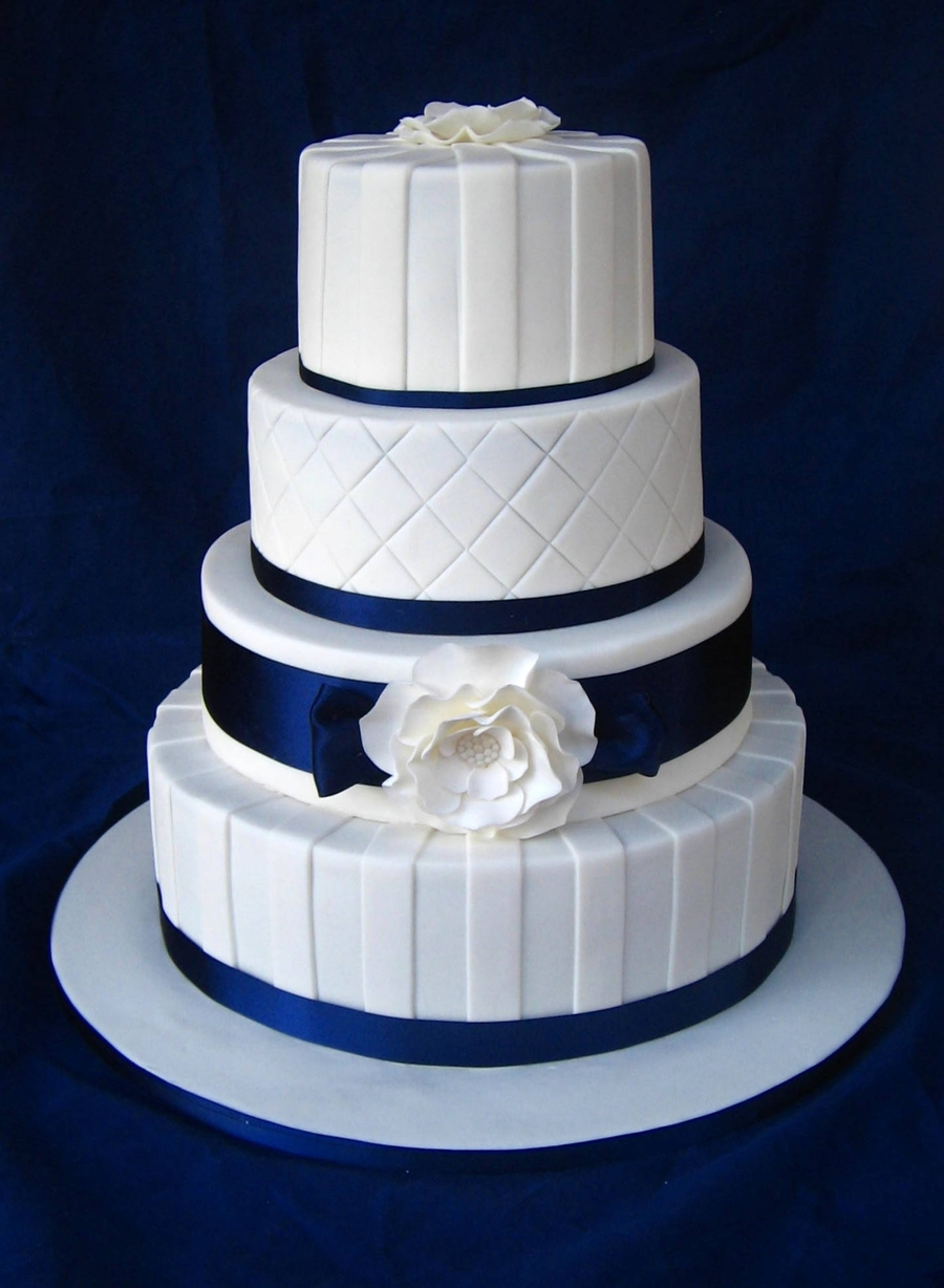 navy blue wedding cakes navy amp white wedding cake cakecentral 17778