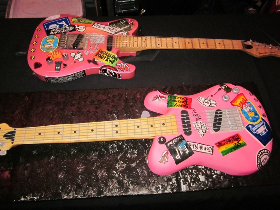 Pink Guitar Cake  on Cake Central
