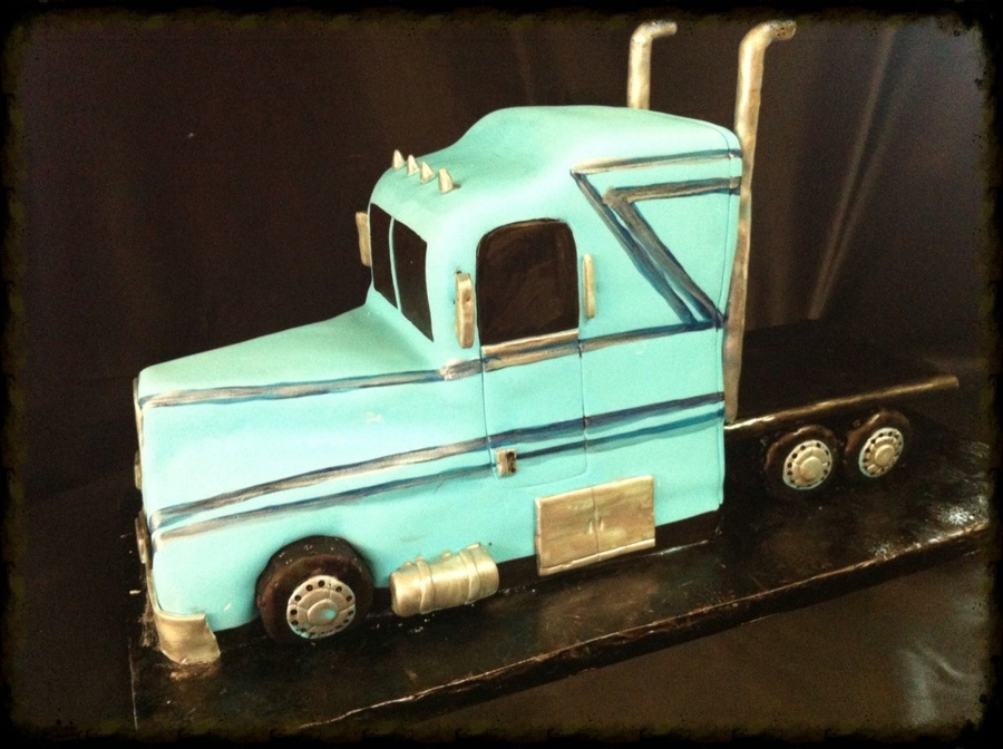 Semi Truck Cake Cakecentral Com