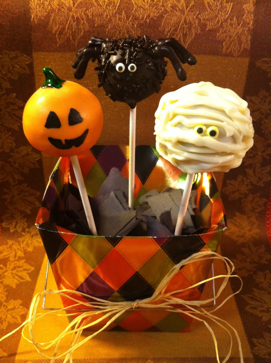 Spooky Pops on Cake Central