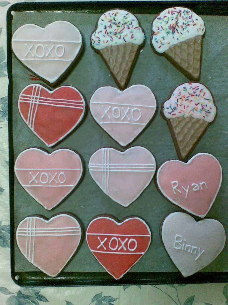 Valentines Heart Cookies + Ice Cream Cones on Cake Central