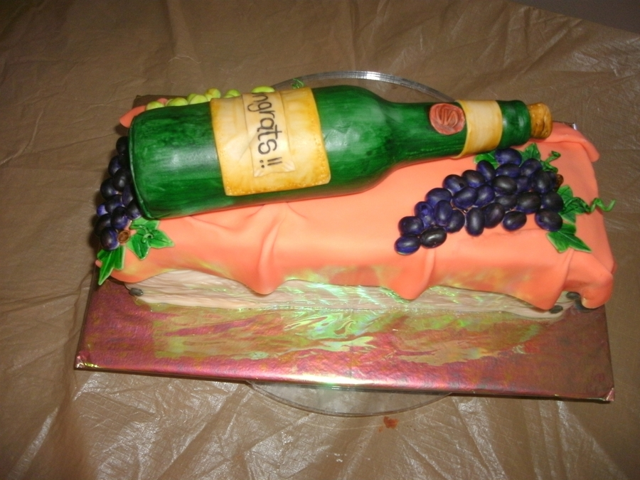Botella De Vino on Cake Central