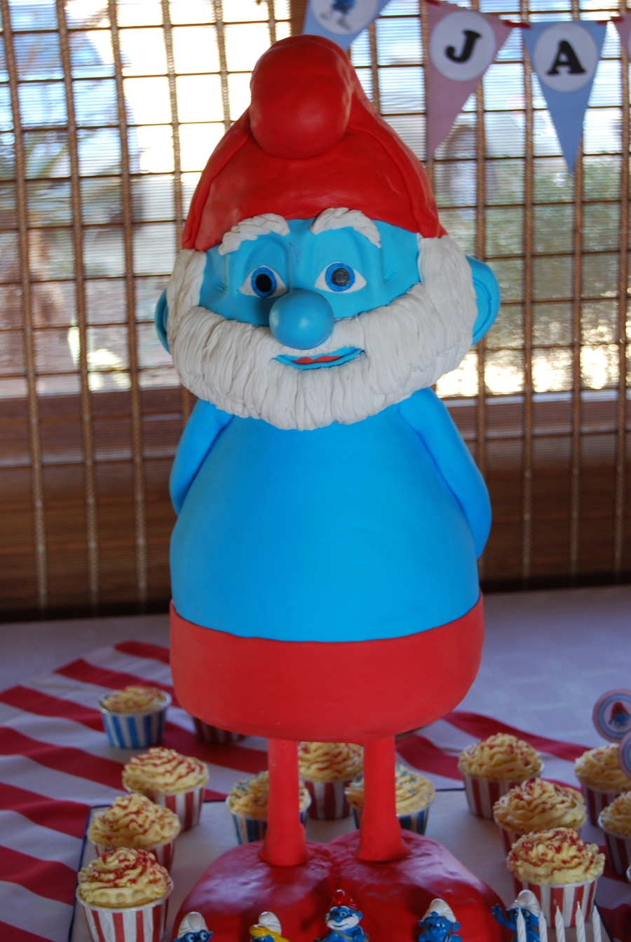 3D Papa Smurf on Cake Central