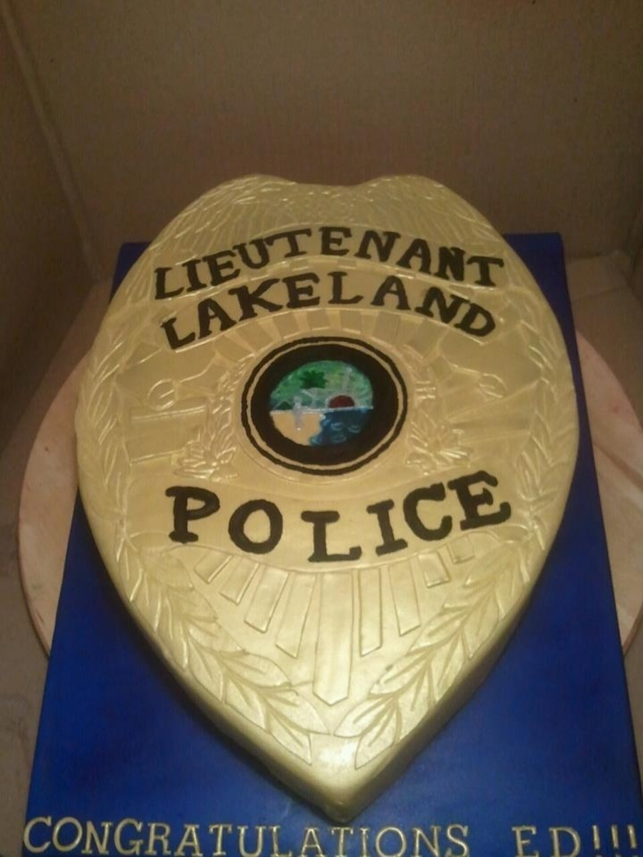 Police Badge on Cake Central
