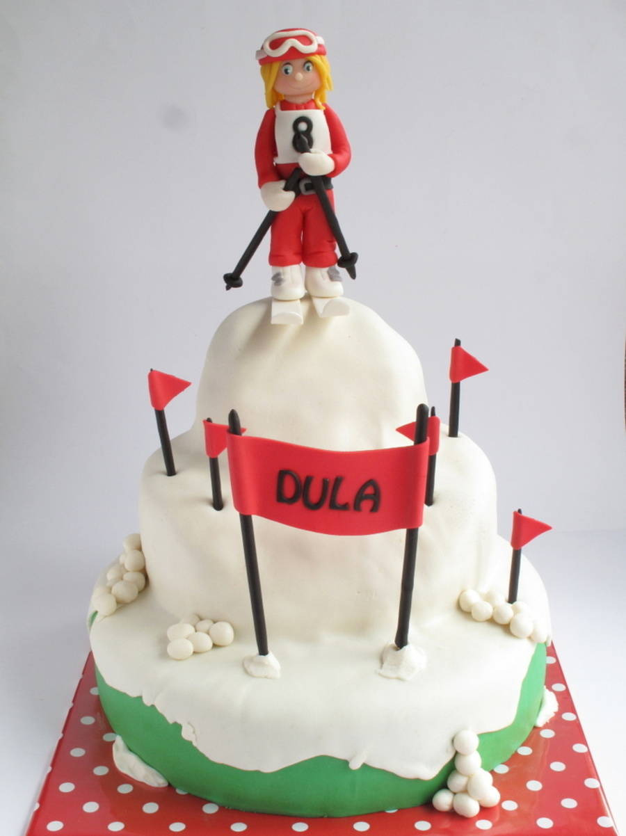 Skitaart Dula 8 on Cake Central