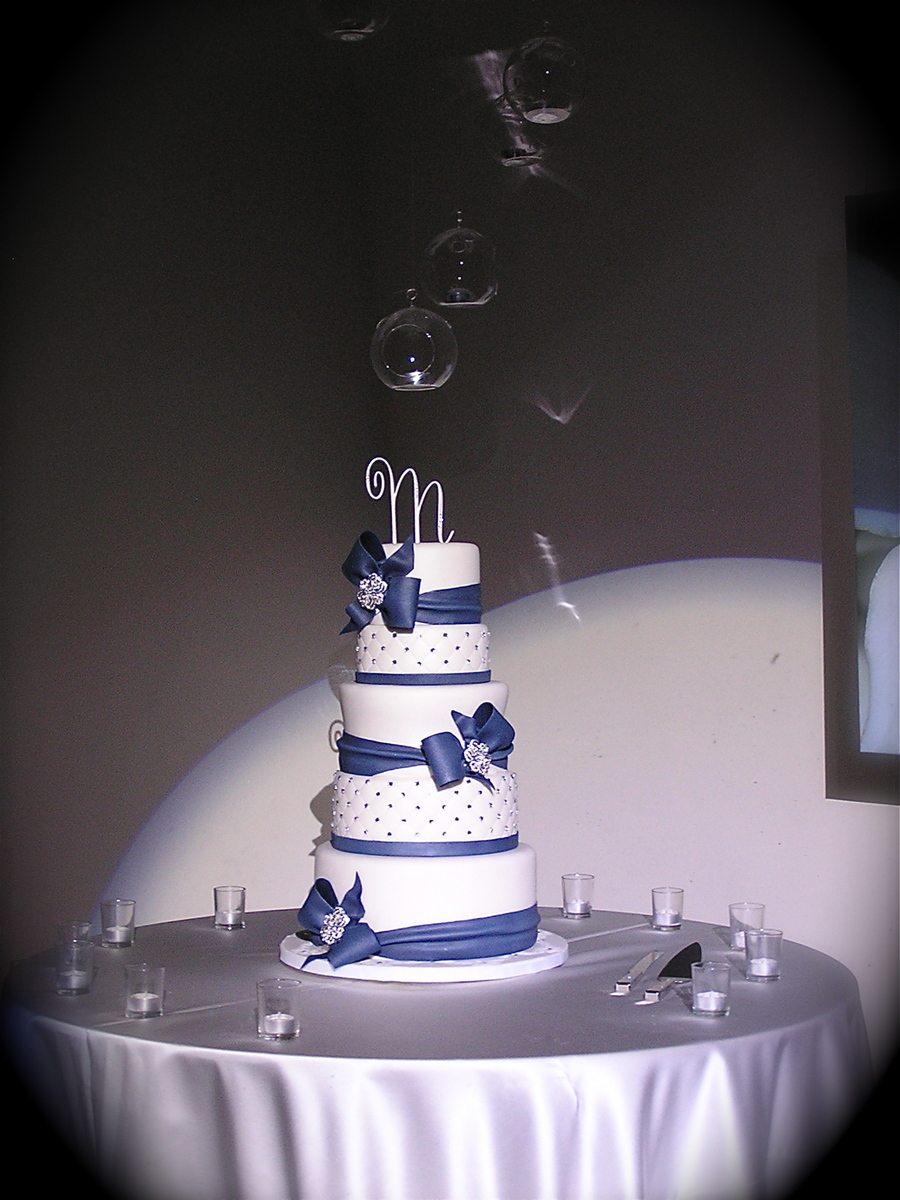 wedding cake navy blue and white navy blue and white wedding cake cakecentral 23304
