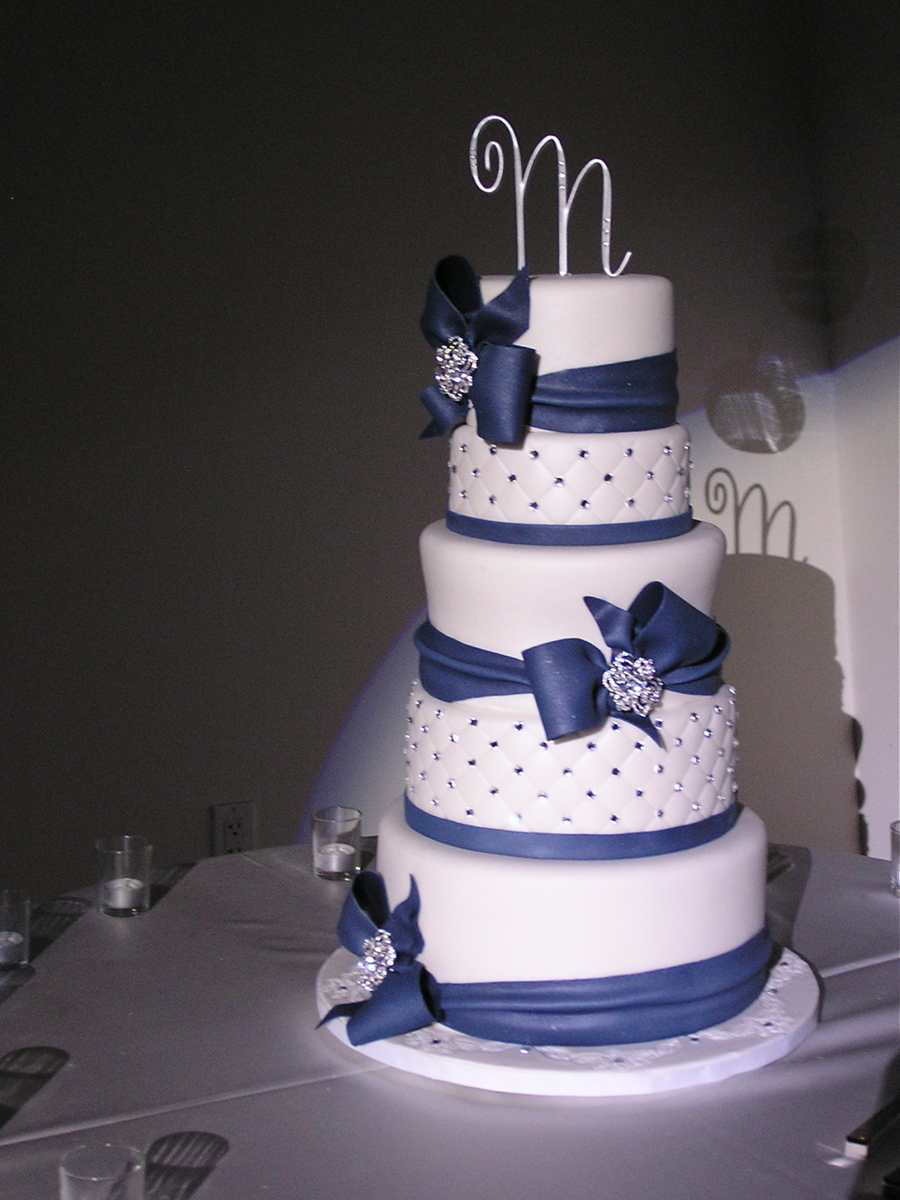 blue and white wedding cakes images navy blue and white wedding cake cakecentral 11966