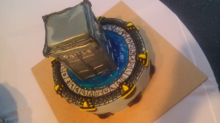 Stargate Dr Who Cake