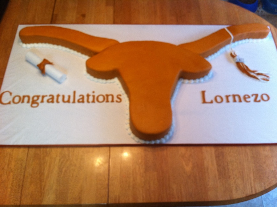 Longhorn Graduation Cake on Cake Central