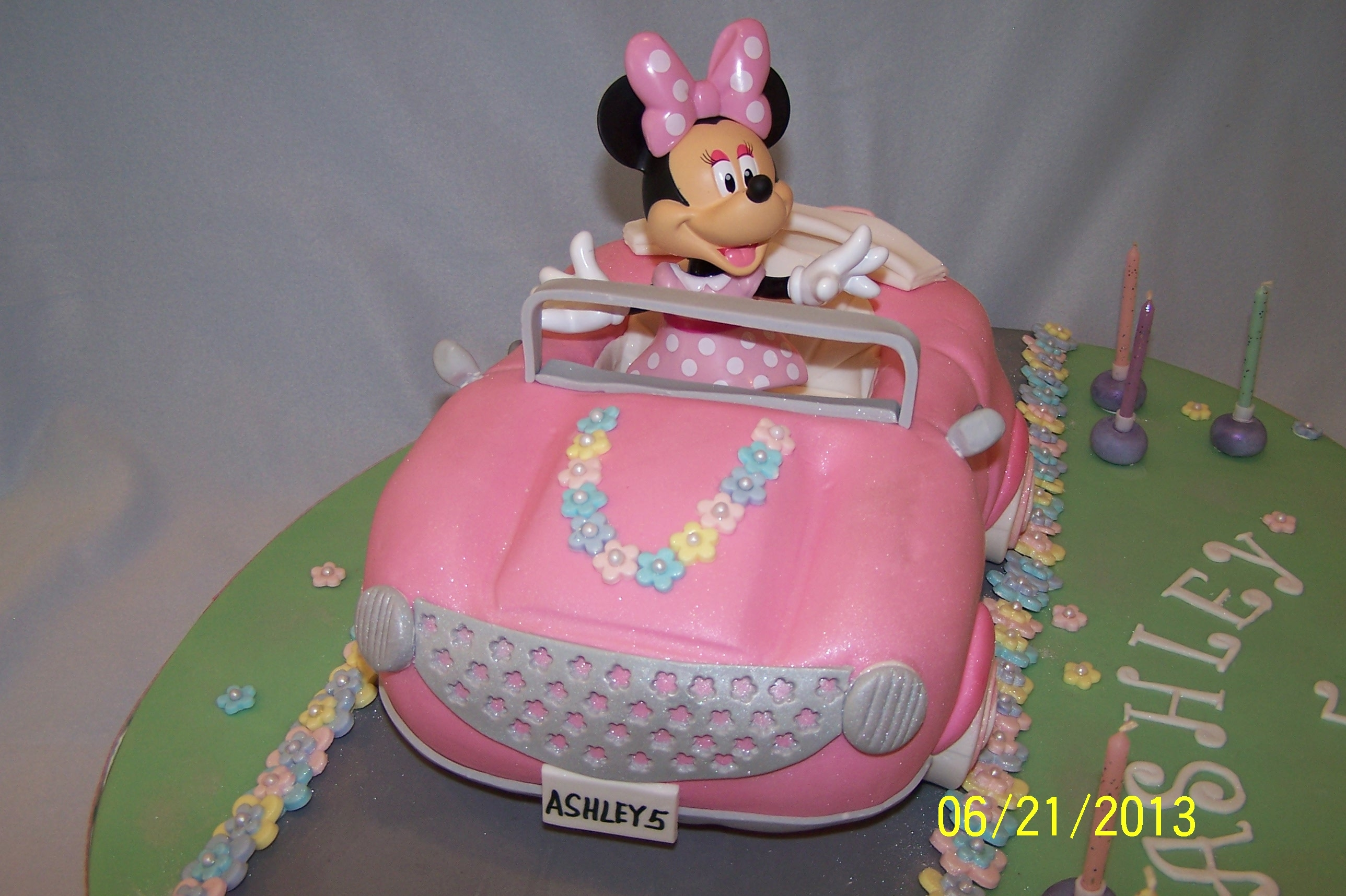 Minnie Mouse Car Cake Cakecentral Com