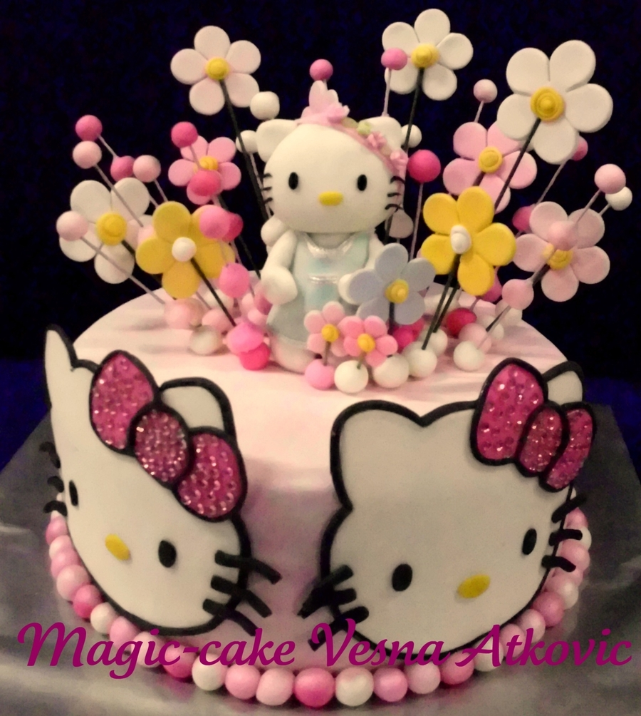 Hello Kitty .,. on Cake Central