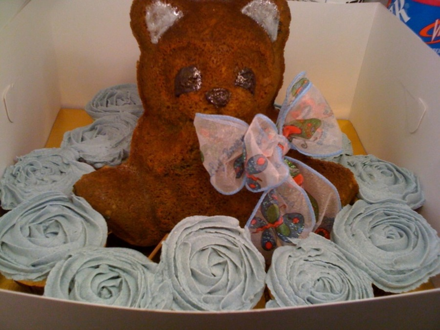 Baby Bear With Cupcakes on Cake Central