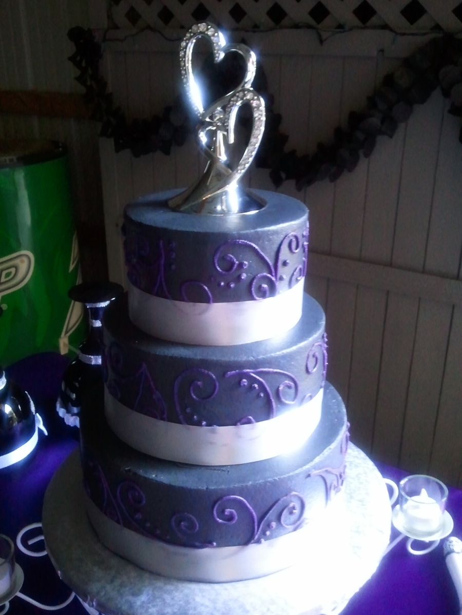 Black & Purple on Cake Central