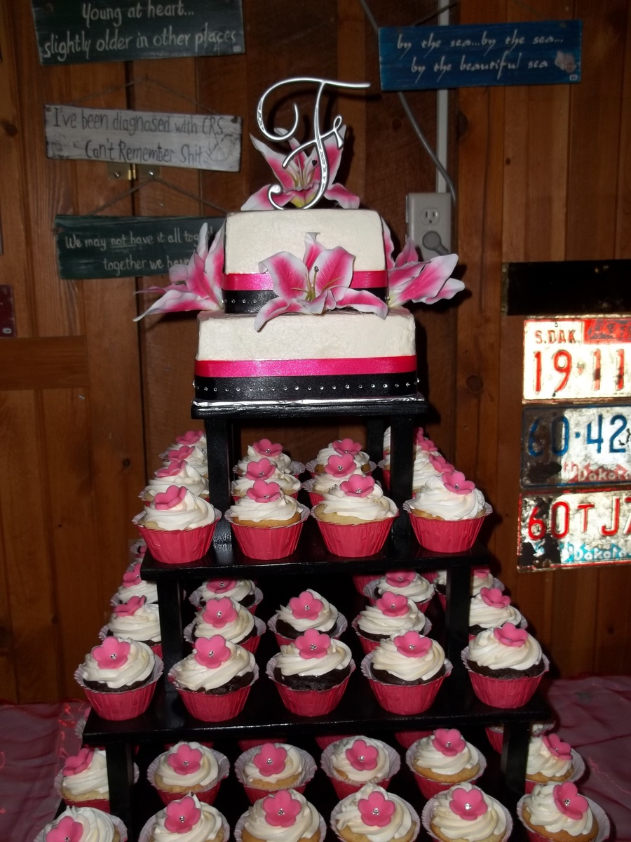 Cupcake Wedding-Hot Pink And Black - CakeCentral.com
