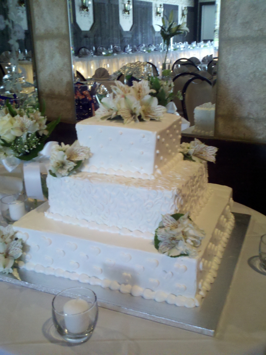 3-Tiered Square on Cake Central