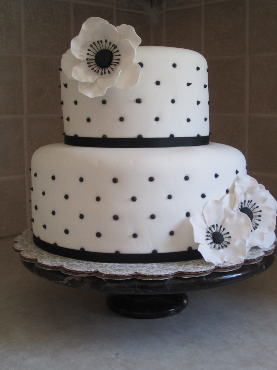 Blackwhite Tiered Cake Cakecentral