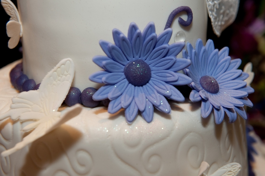 White With Purple on Cake Central