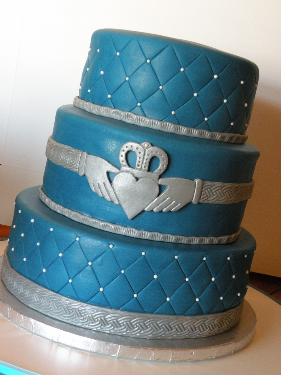 Claddagh Wedding Cake Cakecentral Com