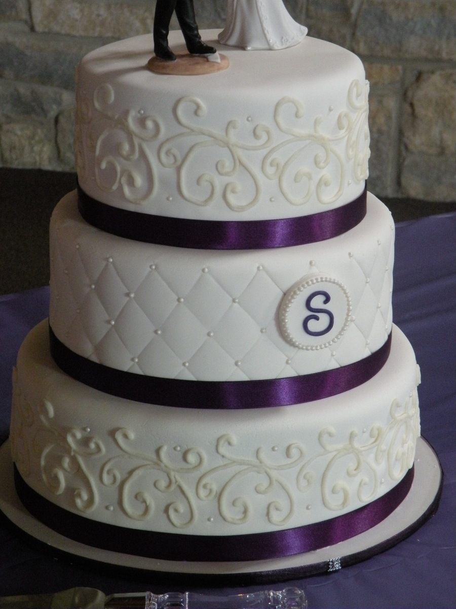 wedding cakes with purple accents purple accent wedding cake cakecentral 26088