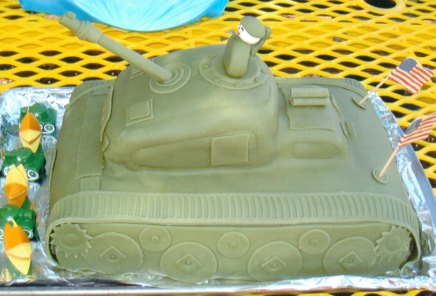 3D Tank Cake For 5 Year Old Army Themed Birthday Party CakeCentralcom