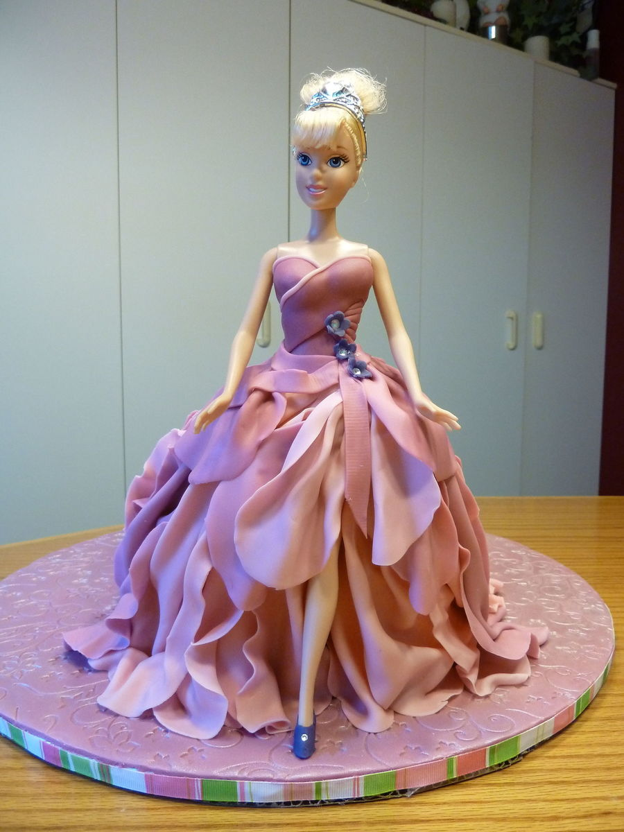 Barbie Cake Images Doll : Barbie Doll Birthday Cake - CakeCentral.com