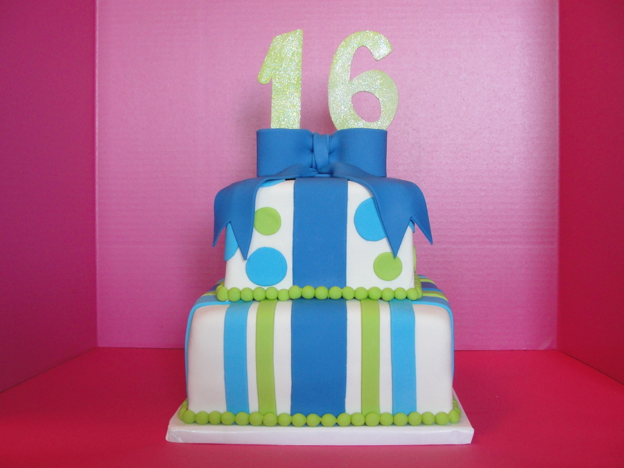 Sweet 16 Present Cake on Cake Central