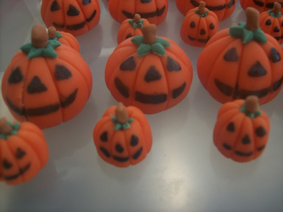 Pumpkins on Cake Central