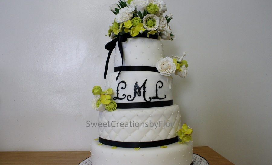 Blackwhitegreen wedding cake with gumpaste flowers cakecentral mightylinksfo