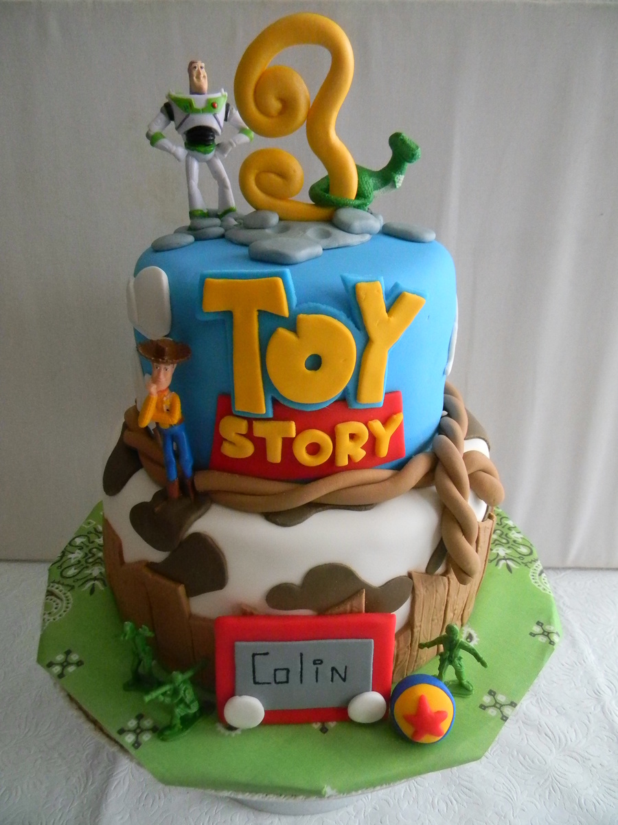 This Cake Was A Lot Of Fun To Make Since Im Such Big Disney Pixar Fan The Is Covered In Satin Ice Vanilla Fondant Buzz Lightyear Woody Rex