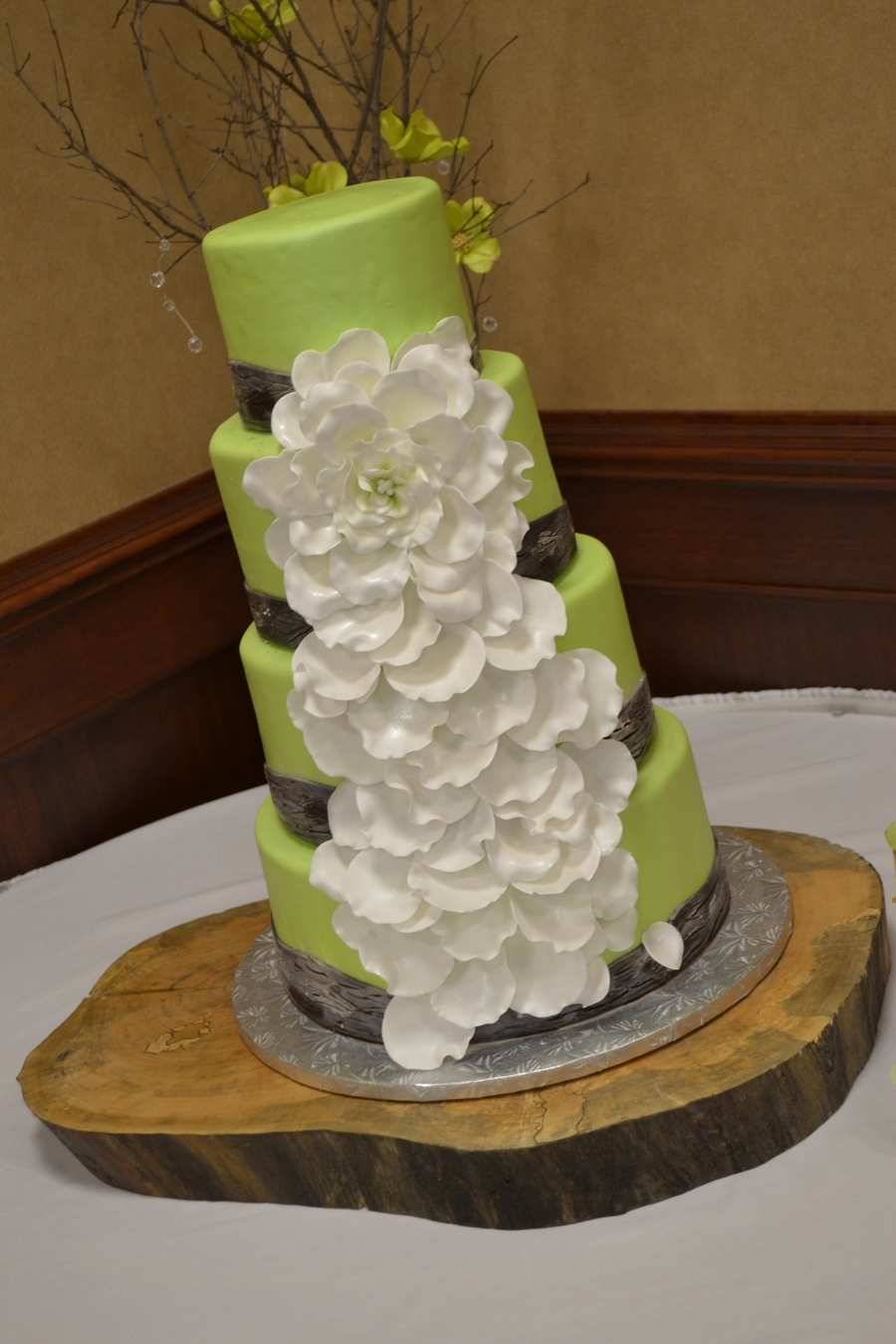 Woodsy Open Rose Wedding Cake Cakecentral Com