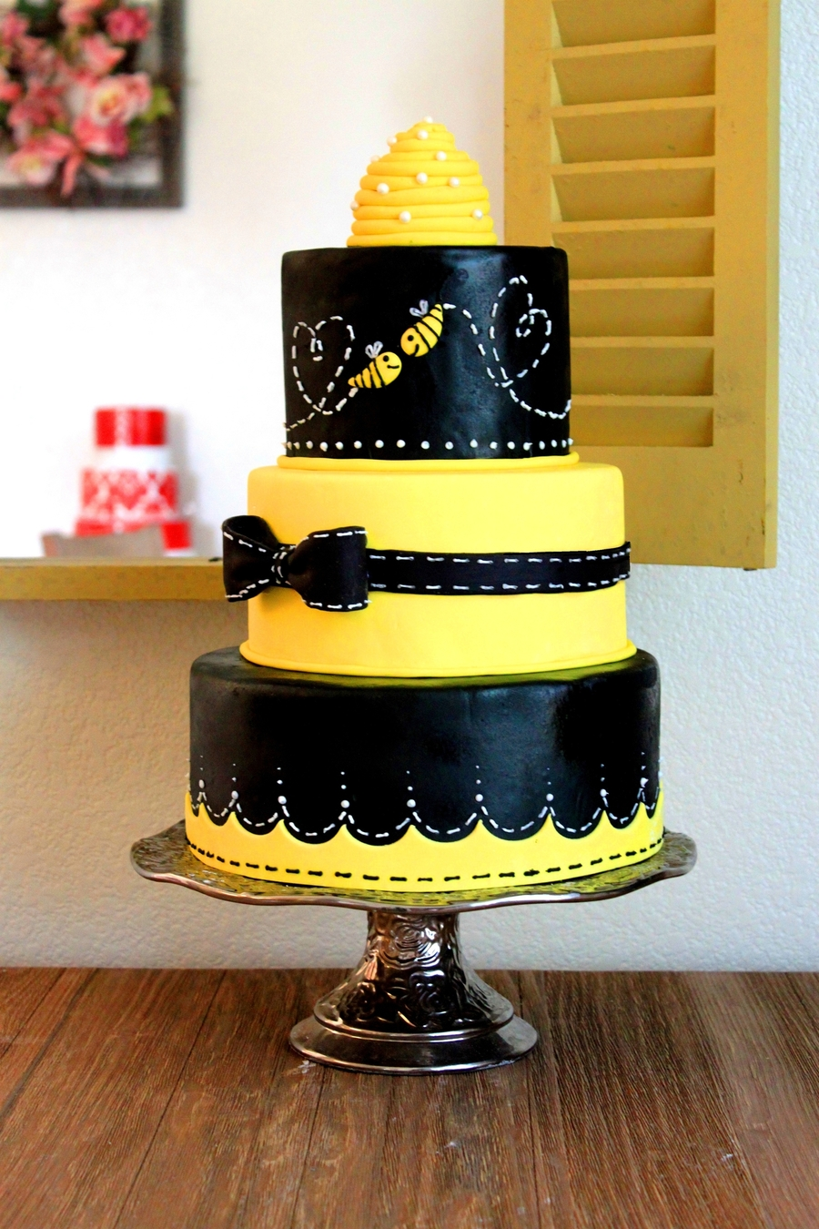 Bee Love on Cake Central