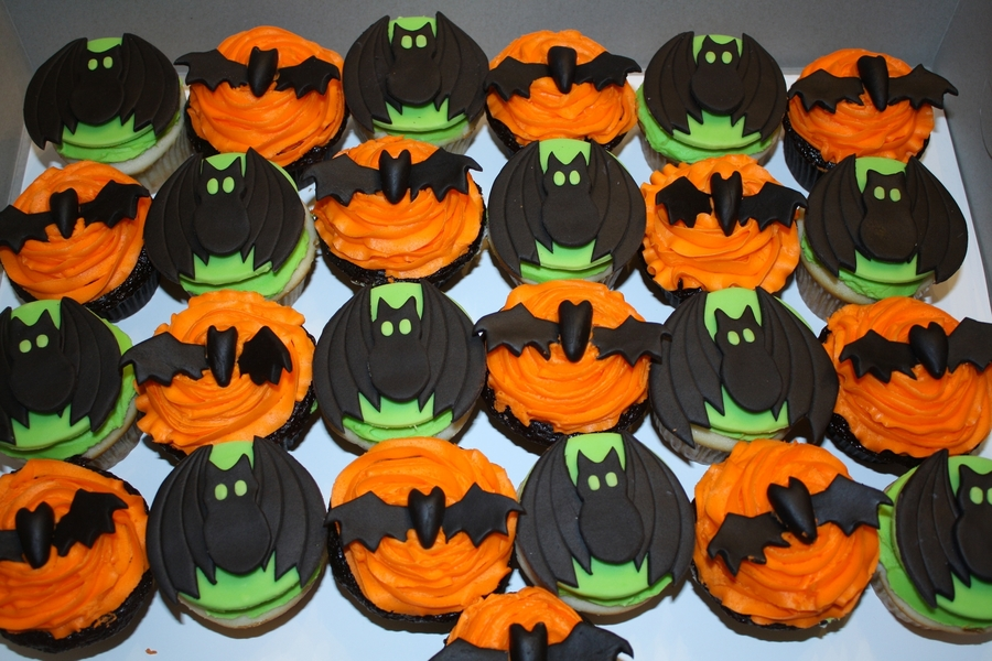Bat Cupcakes on Cake Central