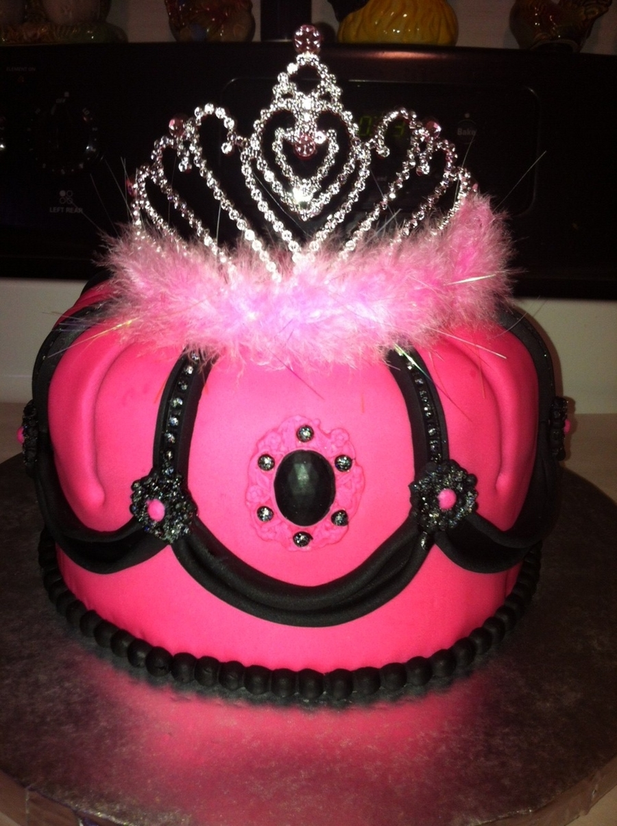 Crown/tiara Cake... on Cake Central