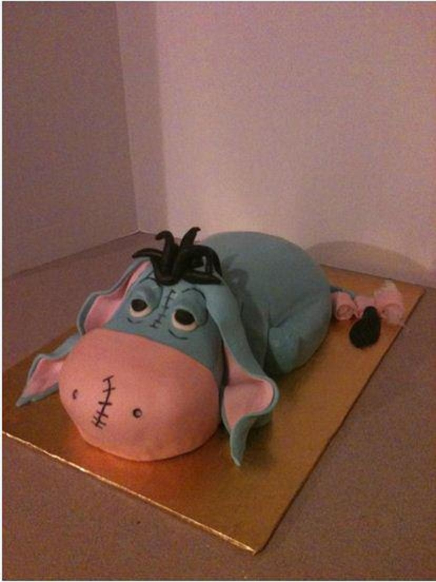 3D Carved Eeyore on Cake Central