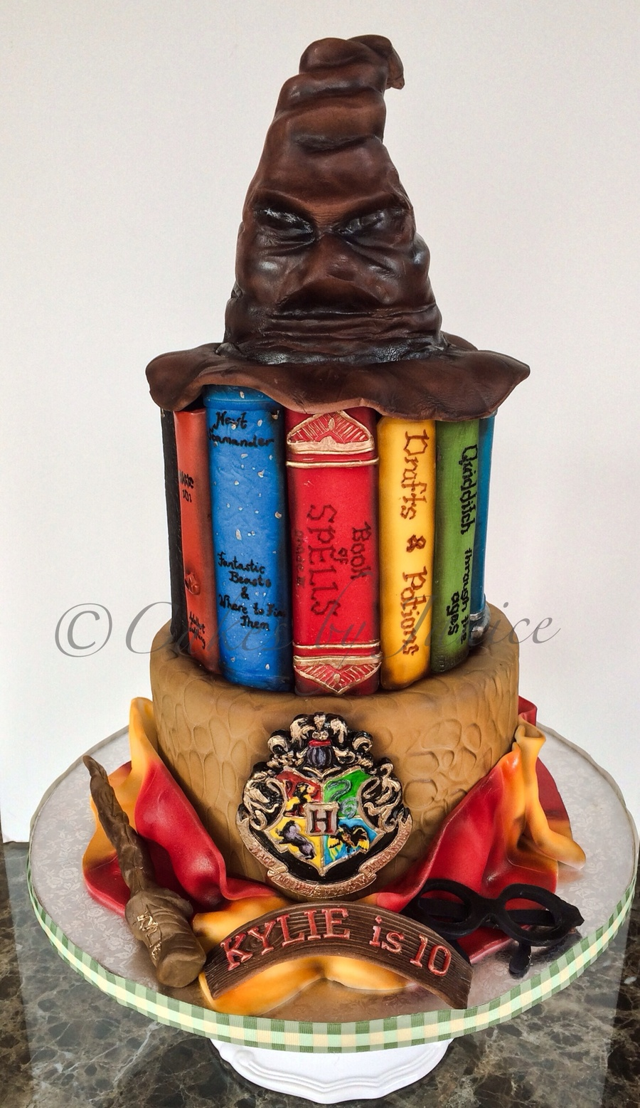 harry potter themed 6 and 8 inch cake wand eyeglasses scarf and hogwarts emblem is fondant. Black Bedroom Furniture Sets. Home Design Ideas