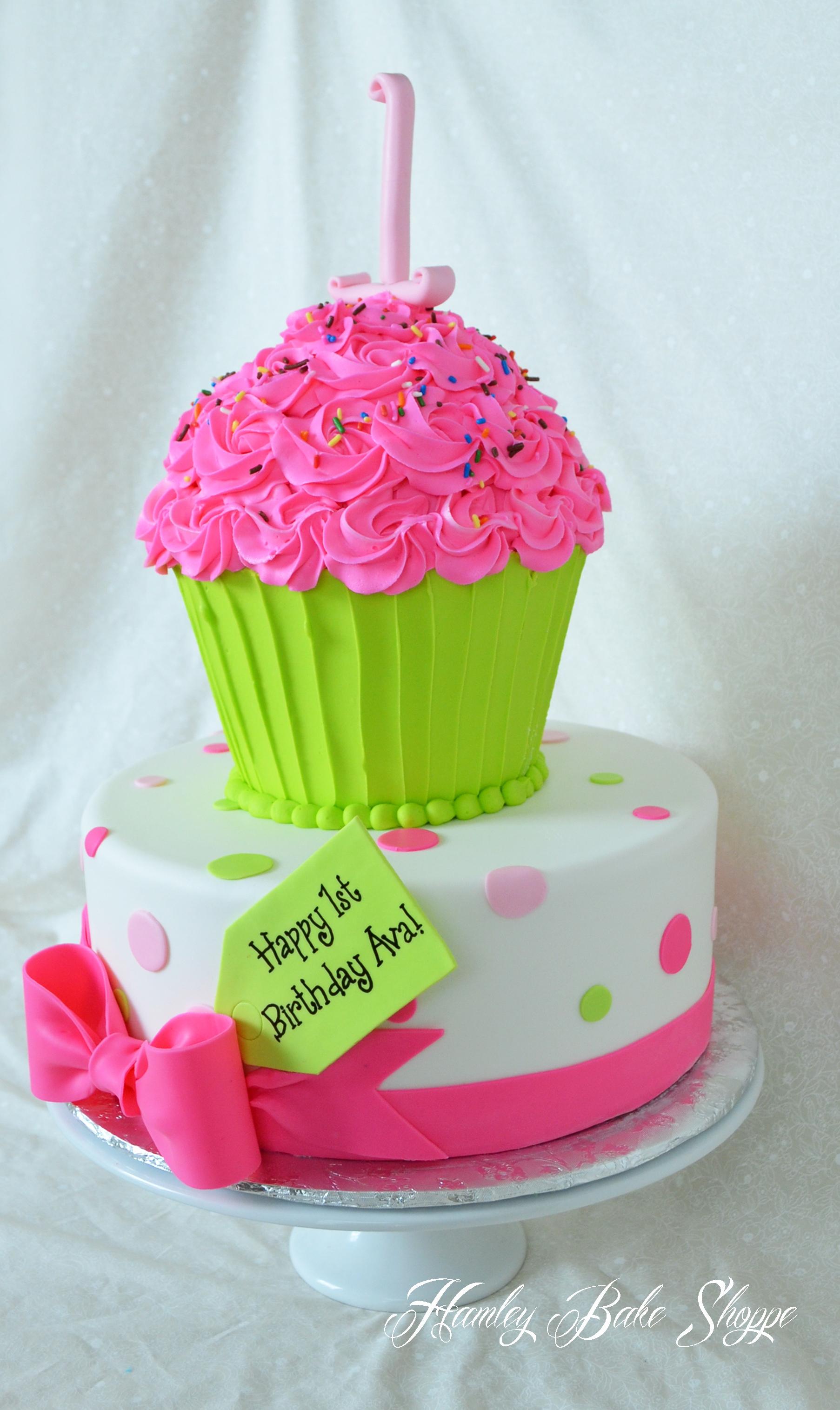 Cupcake Cake - CakeCentral.com