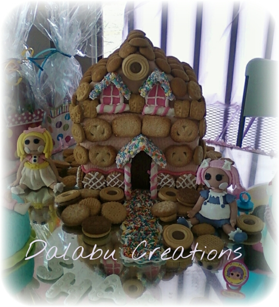 Lalaloopsy Dollhouse  on Cake Central
