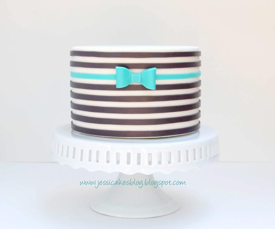 Cake Decorating Striped Icing : Horizontal Striped Cake - CakeCentral.com